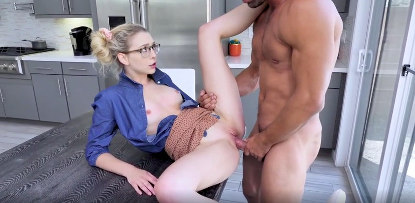 Lily Larimar - Young Girl Fucks Guy in the kitchen - Familystrokes
